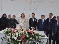 Şura Melis ile Mithat evlendiler
