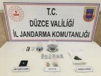 Düzce'de insan kaçakçılığı ve uyuşturucu şüphelilerine operasyon: 3 gözaltı