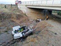 Yozgat'ta otomobil köprüden düştü: 1 yaralı