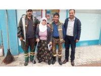 Yaşlı kadının kaybettiği 2 bin TL teslim edildi