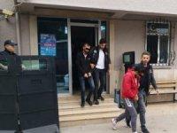 Uyuşturucu satıcıları kıskıvrak yakalandı