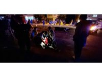 Kamyonetle çarpışan motosikletli kurye ağır yaralandı