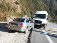 Giresun'da iki trafik kazasında 5 kişi yaralandı
