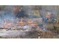 Kastamonu'da ahşap ev yangında küle döndü