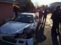 Yangına müdahaleye giden itfaiye otomobil ile çarpıştı