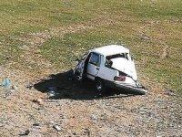Otomobil domuza çarptı: 3 yaralı