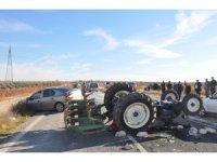 Zincirleme kazada traktör takla attı: 1 yaralı