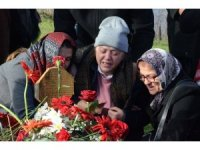 """Ceren'in annesinden duygulandıran sözler: """"Doğum gününde mezarına senin kıyafetlerini giydim de geldim"""""""