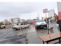 Kahta'da zincirleme trafik kazası: 1 yaralı