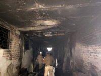 Hindistan'da fabrikada yangın: 43 ölü