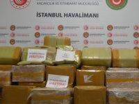 """İstanbul Havalimanı'nda 1,74 tonla """"rekor"""" miktarda uyuşturucu ele geçirildi"""