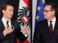 Avusturya'da eski Başbakan Yardımcısı aşırı sağcı lider, partisinden ihraç edildi