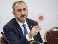 """Adalet Bakanı Gül: """"Bizim sırtını teröriste dayayan siyasetle mücadelemiz var"""""""