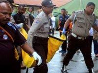 Endonezya'da sel nedeniyle asma köprü çöktü, 7 kişi öldü