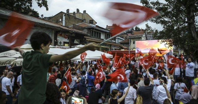 "Saraybosna'da ""demokrasi nöbeti"""