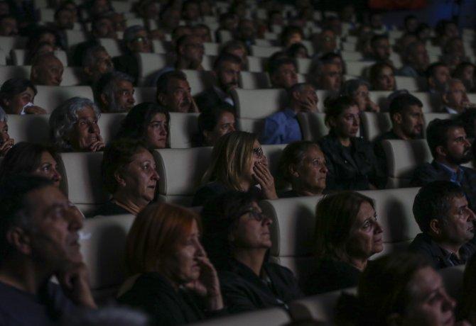 """Kılıçdaroğlu, """"Baba Ben de Gideyim Mi?"""" belgeselini izledi"""