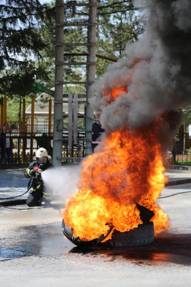 Yangınlar için 3 fonksiyonlu yerli toz ürettiler
