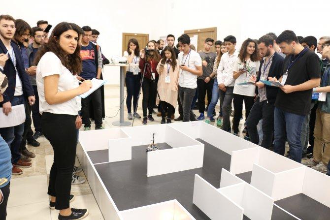 AYBÜ'de robot yarışması