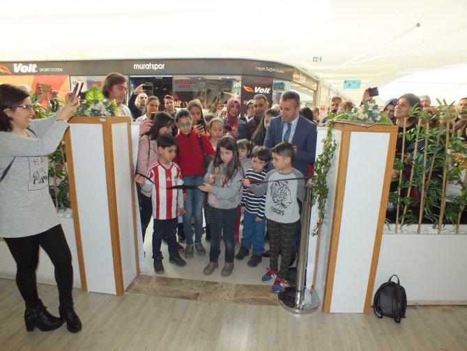 Sivas'ta öğrenciler karma resim sergisi açtı