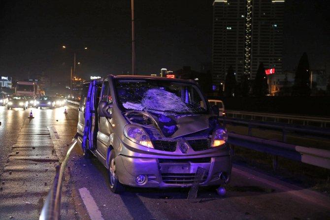 Küçükçekmece'de minibüsün çarptığı yaya öldü