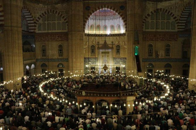 Selimiye Camisi'nde Berat Kandili coşkusu