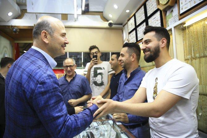 Bakan Soylu, Kapalıçarşı esnafını ziyaret etti