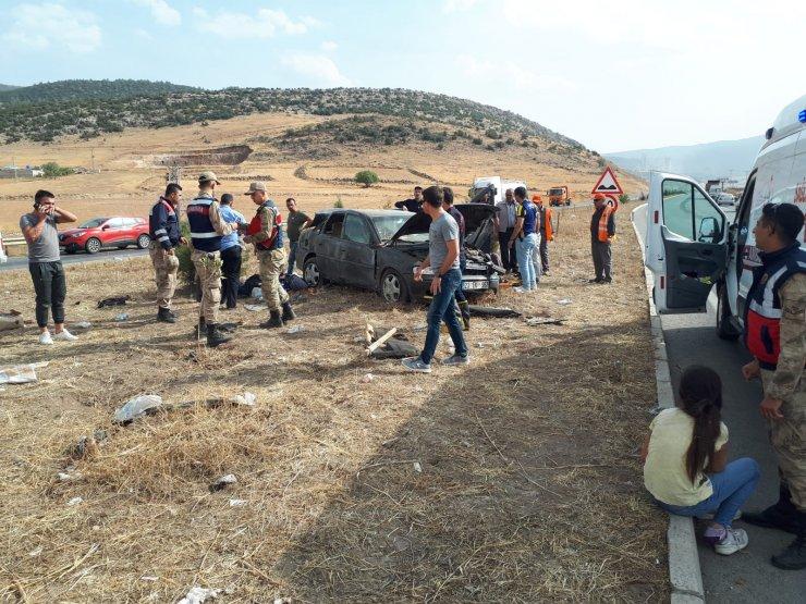 GÜNCELLEME - Kahramanmaraş'ta trafik kazası: 2 ölü, 5 yaralı