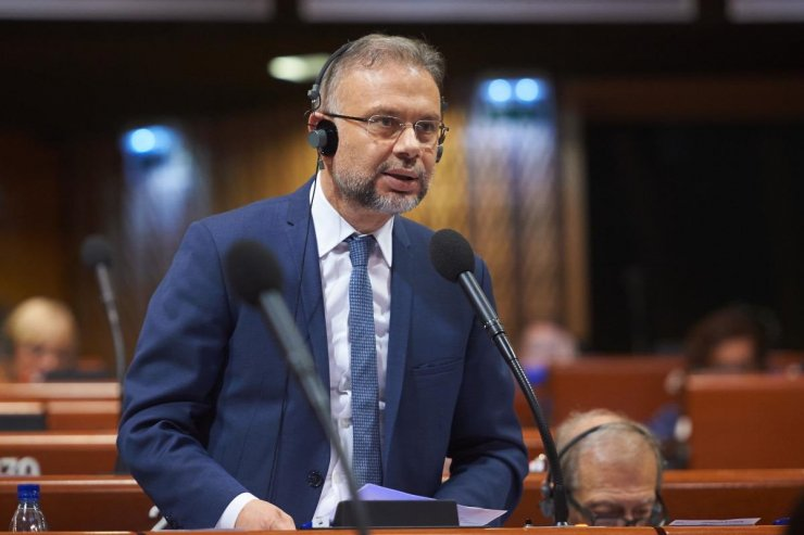 Ertürk, Fransa'da yerel yönetimler kongresine katıldı