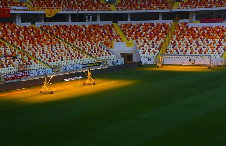 Yeni Malatya Stadı'nın zemini denetlendi