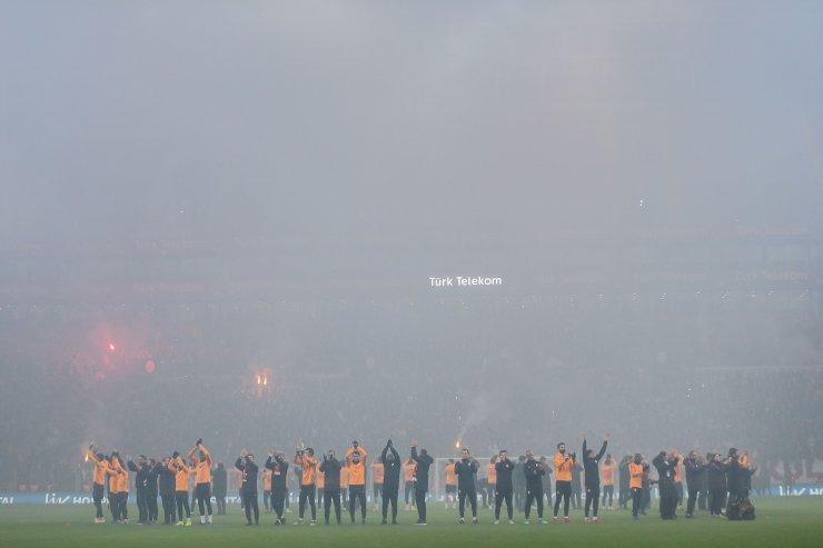 Galatasaray, taraftarıyla buluştu