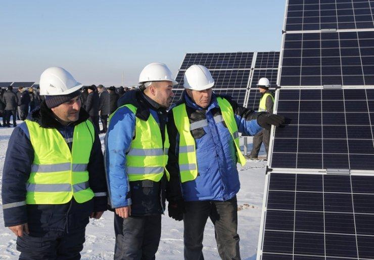 Kazakistan'da Orta Asya'nın en büyük güneş enerjisi santrali kuruldu