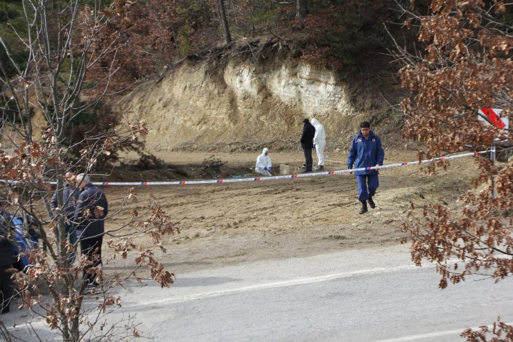 Kütahya'da ormanlık alanda erkek cesedinin bulunması