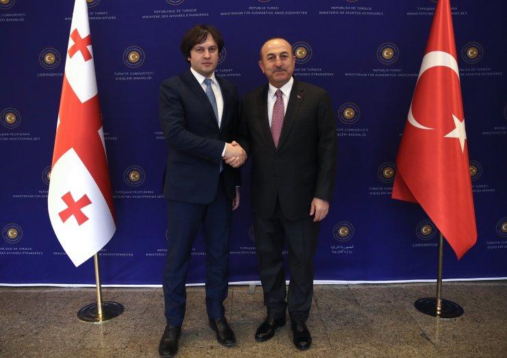 Çavuşoğlu, Gürcistan Parlamento Başkanı Kobakhidze ile görüştü