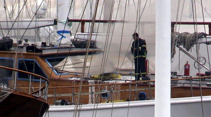 Muğla'da teknede yangın