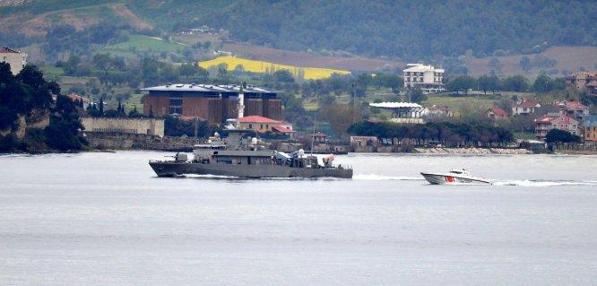 Yunan askeri gemisi Çanakkale Boğazı'ndan geçti