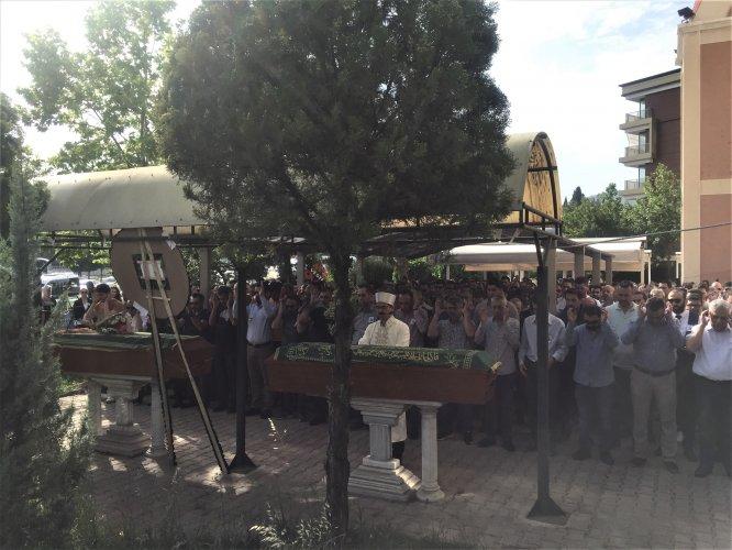GÜNCELLEME - Siyanürlü sıvı ile ölen anne ve baba için cenaze töreni düzenlendi