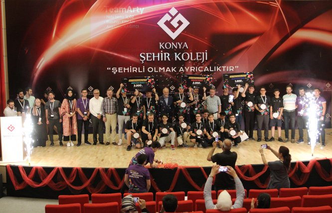Konya'da Hackathon Kodlama Yarışması