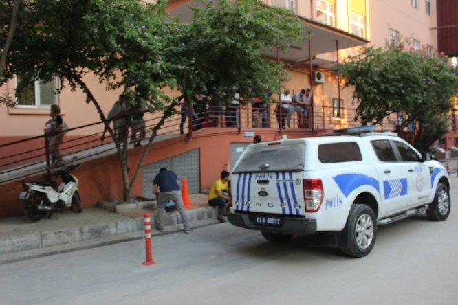 Semt pazarında silahlı kavga: 4 yaralı