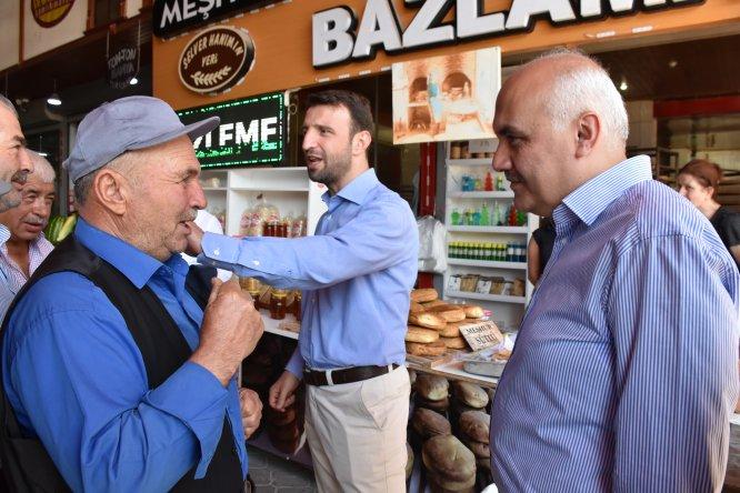 Yegin ile Acar esnaf ve vatandaşlarla bir araya geldi