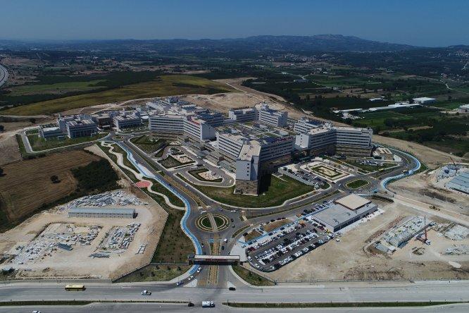 """Türkiye'nin 10. şehir hastanesi hizmette de """"10"""" numara"""