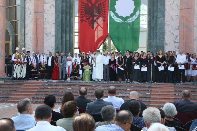 Kuzey Makedonya ve Arnavutluk'ta aşure dağıtımı