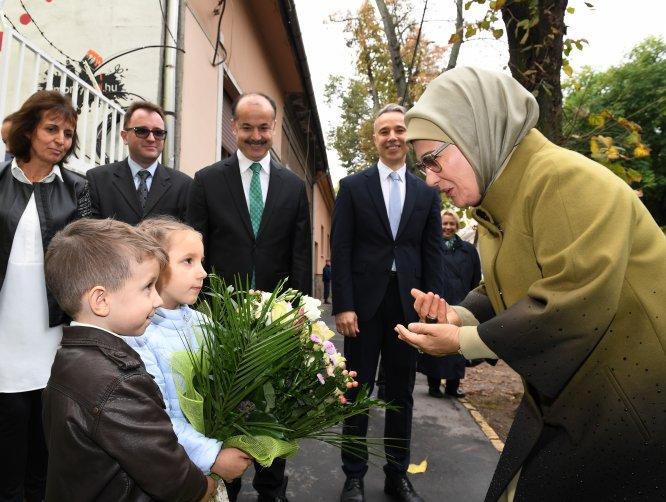 Emine Erdoğan, Macaristan'da anaokulu açtı