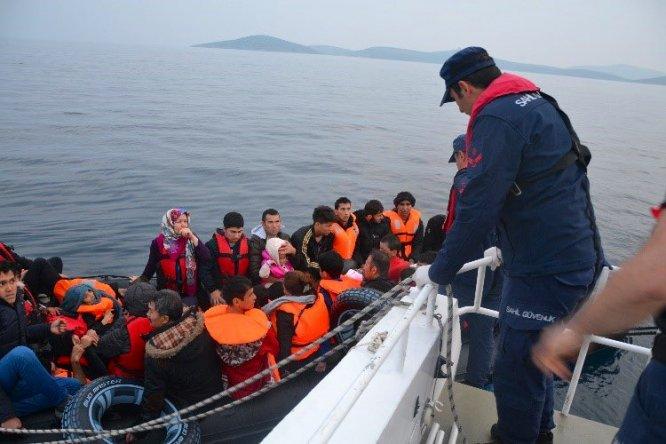 Sahil Güvenlik Komutanlığı: Son bir haftada 1035 düzensiz göçmen yakalandı