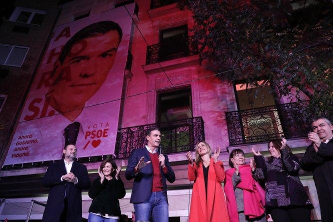 İspanya'daki seçimler ülkedeki siyasi belirsizliği derinleştirdi