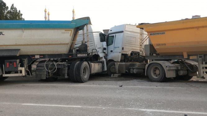 Konya'da iki tır çarpıştı: 1 yaralı