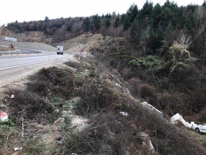 Karabük'te otomobil şarampole devrildi: 7 yaralı