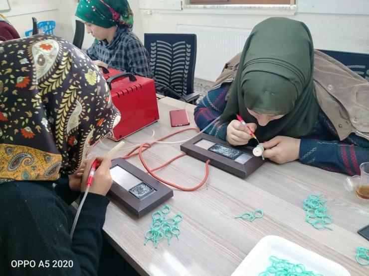Sason'da gümüş işlemeciliği kadınların yeni gelir kapısı oldu