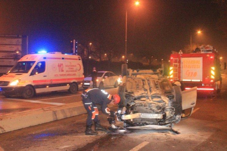 'Dur' ihtarına uymayan otomobil polis aracının kaza yapmasına neden oldu: 2 yaralı
