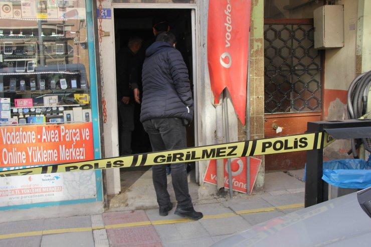 Afyonkarahisar'da evdeki çuvalda çürümüş erkek cesedi bulundu