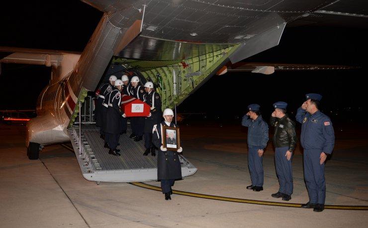 Şehit Uzman Onbaşı Ahmet Tunç'un cenazesi Kütahya'da toprağa verildi